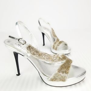 Adrianna Papell Silver Heels Size 6 M